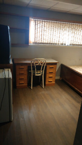 furnished room for rent in the south