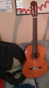 Yamaha C40 Nylon Classical Guitar - NearMint Condition