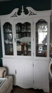 DINING ROOM CABINET & HUTCH