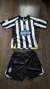 Men's Juventus uniform - size Large
