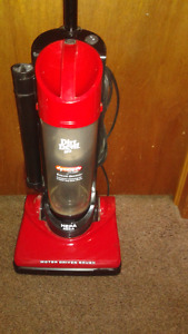 Dirt Devil Bagless Vacuum With Hepa Filter $25. FIRM