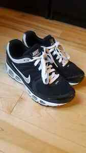 Women's Nike Air Max Sneakers Size 6.5