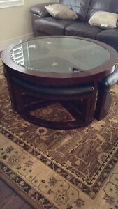 Coffee table with four ottoman for sale!