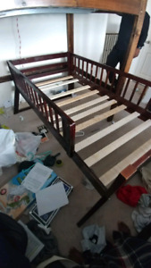 Single wood bed with side rails