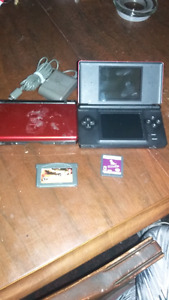 2 Gameboy lights and two games