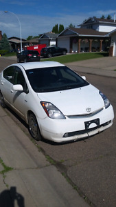 2009 Toyota Prius hybrid 1.5L 2 sets of tires