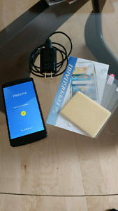 Nexus 5 with charger + extra screen protectors
