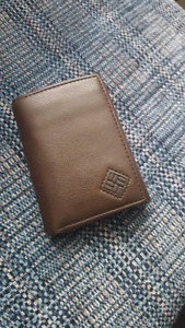 Leather wallet - Columbia