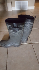 Polka Dot Rubber Boots Size 9