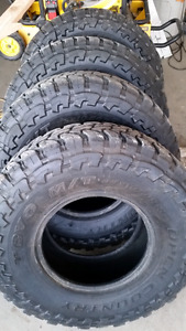 Toyo open country MT 33x10.5x15