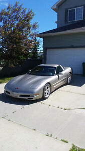 2000 Chevrolet Corvette Coupe (2 door) $18000 OBO