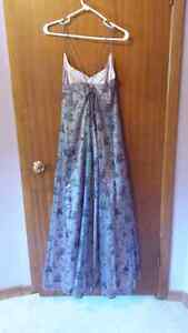 Floor length formal gown London Ontario image 2