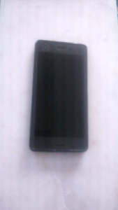 Mint 10/10 sony xperia performance (XP) locked to Bell