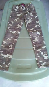 Girls pants (size 10 - 16) Kingston Kingston Area image 3
