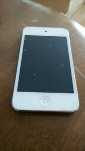 iPod touch 4eme generation marche tres bien / iPod touch 4th gen