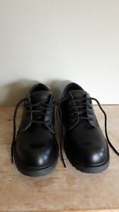 Men Size 9W black shoes perfect condition (worn once or twice)