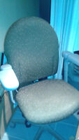 FREE COMPUTER CHAIR - STILL AVAILABLE