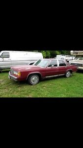 Looking to buy 80s crown Victoria's or Mercury grand marquis