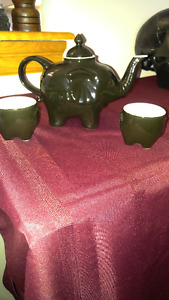 Brand New! Elegant Shiny Elephant Tea Pot & Mini Cups (2) Set!