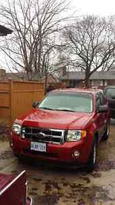 2011 4x4 escape    fully loaded