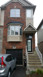 Clean, All Inclusive, Luxury Townhouse Room in Trendy Burlington