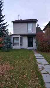 House available immediately for rent in temple n.e