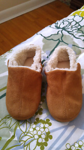 Kids Slippers with rubber bottoms