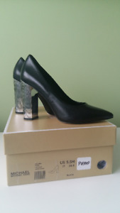 MICHAEL KORS Leather Pump 5.5