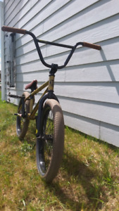 GT BMX Like New. sell quick!!!