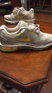 Size 7.5 yellow and grey Nike air max livestrong sneakers
