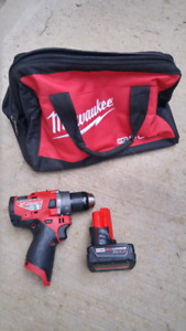 Milwaukee M18 Fuel compact hammer drill