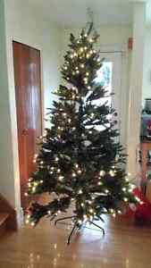 Christmas Tree - 7 foot with clear lights
