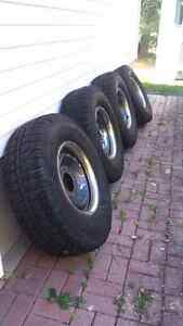 4 winter tires and rims 265/70R16
