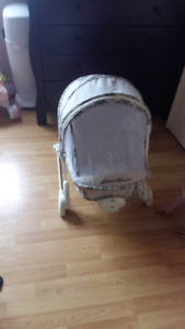 Infant summer chair with screen
