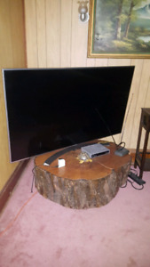 SMART TV AND STAND