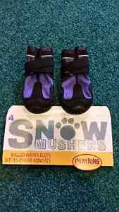 Muttluks Snow Mushers hard sole dog booties - NEW size 3 & 4