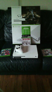 Xbox one s 500gb, 3 games, packing, cables, gamepass & xboxlive.