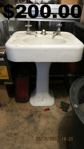 ANTIQUE CAST IRON BASIN