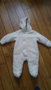 Bunting suit 6-12 months