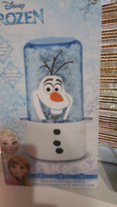 Frozen themed popcorn maker and bowl