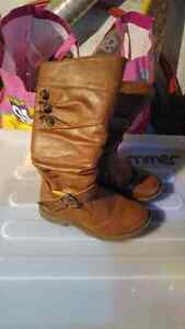 Size 1 boots 10.00