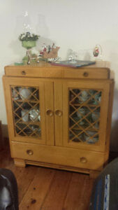 Solid Maple 1940 Hutch Display Cabinet Antique China Kitchener / Waterloo Kitchener Area image 1
