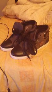 Neuf shoes