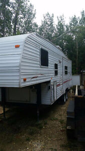 2001 Terry 26ft 5th wheel, 5900.00