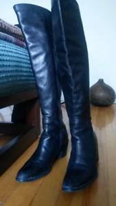 Hautes bottes noires en cuir