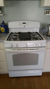 """GE Gas Stove self-cleaning white 30"""" wide for sale"""