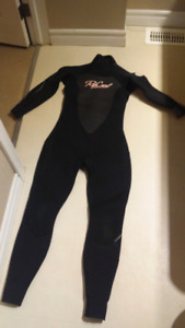 Women's wetsuit ripcurl small dawn patrol 4:3 mm surf or diving