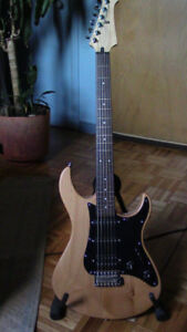 Guitare fretless Yamaha Pacifica