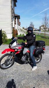 Moto semi route et semi trail.