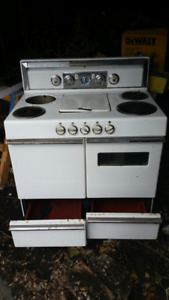 Vintage 1950 Thor Four Electric Stove